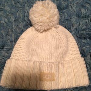 UGG hat w/ cuff